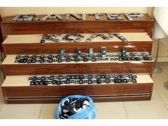 Gaziantep'te Kaçak Sigara Ve Telefona 22 Gözaltı