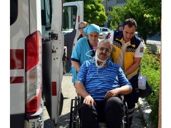 Kula'da Otomobil Tarlaya Uçtu: 1 Ölü, 3 Yaralı