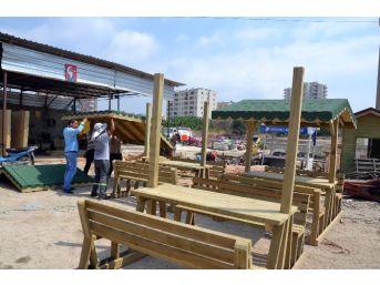 Erdemli Belediyesi Kendi Ürettiği Mobilyalarla İlçeyi Süslüyor