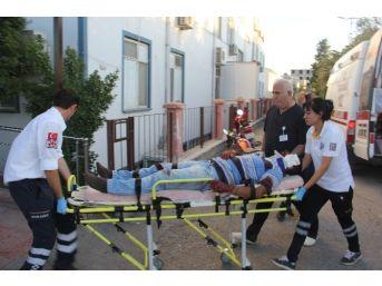 Motosiklet Pikaba Çarptı: 2 Yaralı