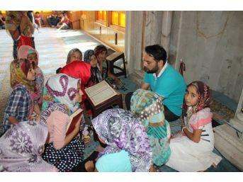 Gülşehir'de Kuran Kursu Birincilerine Tablet Bilgisayar Verildi