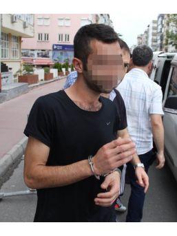 Tartıştığı Iraklı Genci Bıçakladı
