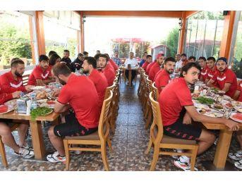 Utaş Uşakspor'ta Hedef Profesyonel Lig