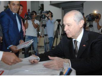 Mhp Lideri Bahçeli 1 Kasım Seçimleri İçin Adaylık Başvurusunu Yaptı