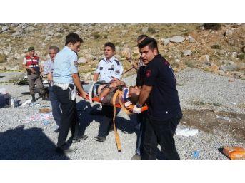 Akseki-seydişehir Yolunda Kaza: 2 Ölü, 4 Yaralı