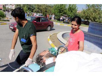 Ambulans Helikopterdeki Eşini Gözyaşlarıyla Uğurladı