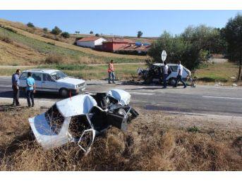 Samsun'da Iki Otomobil Çarpıştı : 2 Ölü, 5 Yaralı