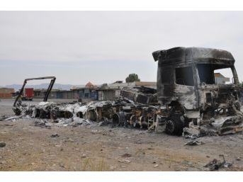 Silopi'de Ydg-h Üyeleri 5 Tır'ı Ateşe Verdi