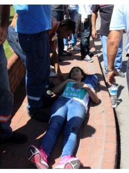Kazada Yaralanan 2 Çocuk Askeri Ambulansla Hastaneye Kaldırıldı