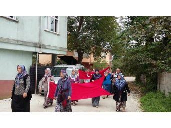 Giresun'da Köylü Kadınlar Şehitler İçin Yürüdü