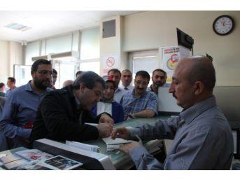 Çorum'daki Stk'lar Başkan Sözlü'ye Atıf Hoca'yı Anlatan Kitap Gönderdi