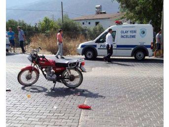 Önce Kamyona, Ardından Midibüse Çarpan Motosiklet Sürücüsü Öldü