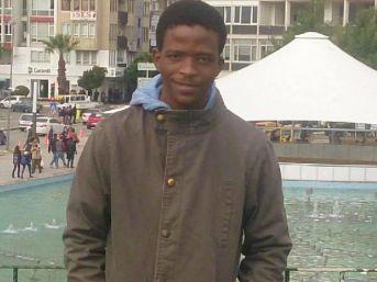 Güney Afrikalı Üniversite Öğrencisi Intihar Etti