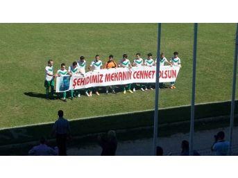 Dinarspor Ve Emirdağspor'dan Teröre Tepki Pankartı