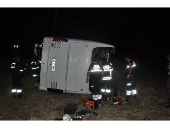 Sandıklı'da Otobüs Kazası 1 Ölü, 20'nin Üzerinde Yaralı