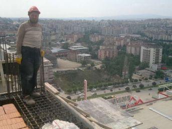 Bursa'da Cami İnşaatından Düşen İşçi Hayatını Kaybetti
