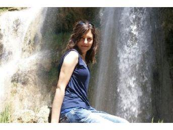 Yanan Araçtan Yaralı Kurtulan Hemşire Hayatını Kaybetti