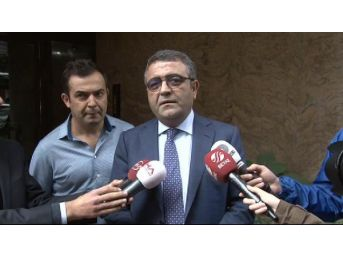 Sezgin Tanrıkulu'ndan Ahmet Hakan'a Geçmiş Olsun Ziyareti