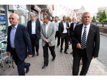 Ak Parti Milletvekili Adayları Yoğunburç Ve Hunat Esnafını Gezdi
