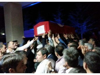 Şehit Polisin Cenazesi Baba Ocağında