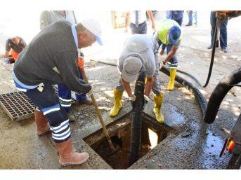 Bodrum'da Tıkanan Kanallar Açılıyor