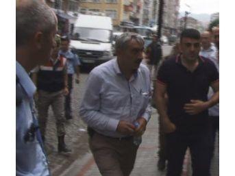 Rize'de Köy Muhtarı Kendini Tehdit Eden İşçiyi Vurdu