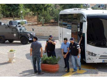 Siirt'te Gözaltına Alınan 10 Kişi Adli Makamlara Sevk Edildi
