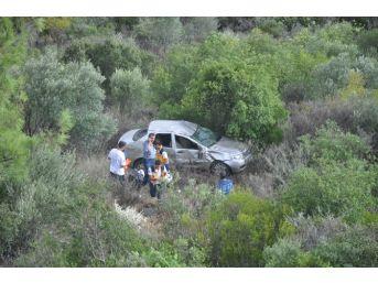 Otomobil 60 Metrelik Uçuruma Düştü: 5 Yaralı