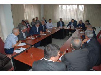 Ak Parti Grup Başkanvekili Ahmet Aydın, İl Genel Meclis Üyeleriyle Bir Araya Geldi