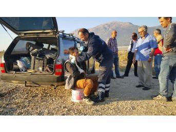 Isparta-afyonkarahisar Sınırında Trafik Kazası: 4 Yaralı