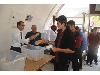 Niğde Belediyesi ''çorba Pınarı'' Hizmetine Devam Ediyor