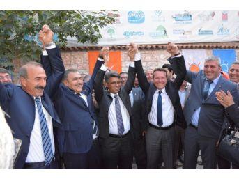 Bakan Eroğlu, Uşak'tan Bahçeli'ye Yüklendi
