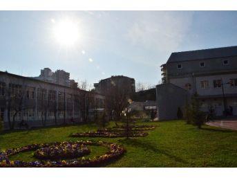 Bülent Ecevit Üniversitesi'nin Mezun Sayısı 46 Bine Yaklaştı