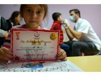 Mihalgazi Ve Sarıcakaya'daki Öğrencilere Genel Sağlık Ve Diş Taraması Yapıldı