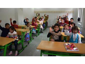 Yeşilyurt Belediyesi, Yeşil Konaklar'da Suriyeli Öğrencilere Özel Sınıf Açtı