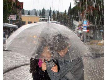 Aydın'da Yağışlar Cumartesi Akşamı Etkisin Kaybediyor