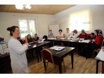 Talas'ta Kadınlara Yönelik Kurslar Başladı