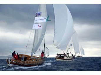 Bodrum'da Ahşap Yelkenli Yat Yarışının 2. Etabı Yapıldı