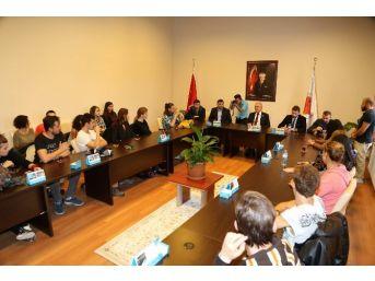 Yabancı Öğrencilerden Bozok Üniversitesi Rektörü Prof. Dr. Karacabey'e Ziyaret