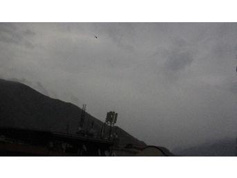 Hakkari'de Yoğun Hava Hareketliliği
