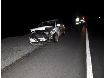 Kanlı Ve Kazalı Otomobil Polisi Alarma Geçirdi