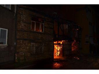 Seydişehir'de Taş Ev Yandı