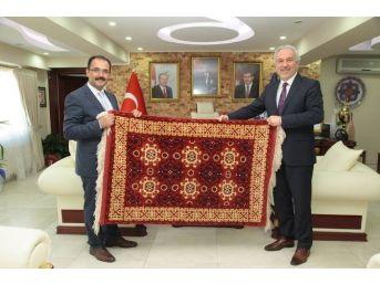 Başkan Nurullah Cahan, Kamil Saraçoğlu'nu Ziyaret Etti