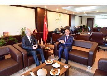 Başkan Yılmaz, Defterdar Eraslan'ı Ziyaret Etti