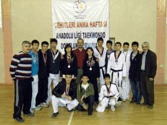 Sorgunlu Tekvandocular Türkiye Şampiyonasına Hazırlanıyor