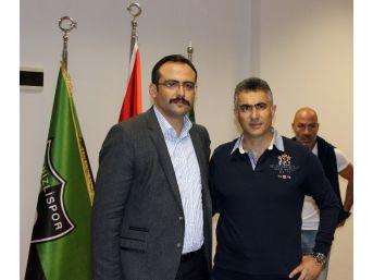 Denizlispor'da Altıparmak'ı Yönetim Uğurladı
