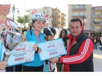 Menderes'te Yol Bisiklet Yarışları Sona Erdi