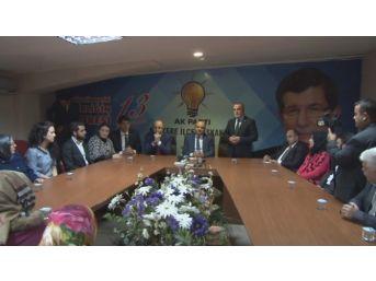 Bakan Işık Ak Parti Kartepe İlçe Teşkilatını Ziyaret Etti