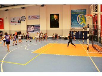Muğla'da Atatürk Kupası Hentbol Turnuvası Sona Erdi