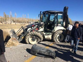 Van'da Trafik Kazası: 23 Yaralı